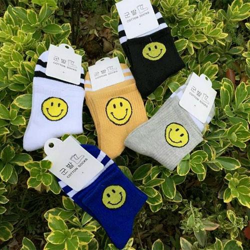 女士中筒棉袜子 可爱卡通笑脸 学院风女袜 厂家直销