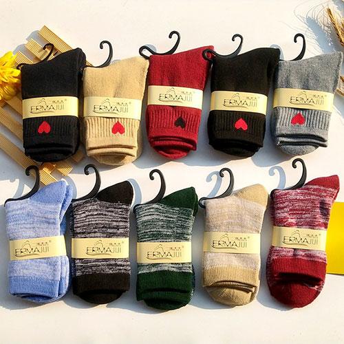 冬季女士拉毛毛圈袜子 加厚保暖 百搭 中筒袜子