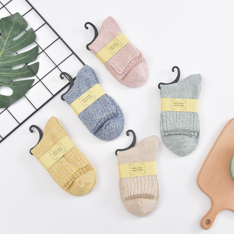 冬季 女士纯色素色 并线粗针 加厚保暖羊毛袜子